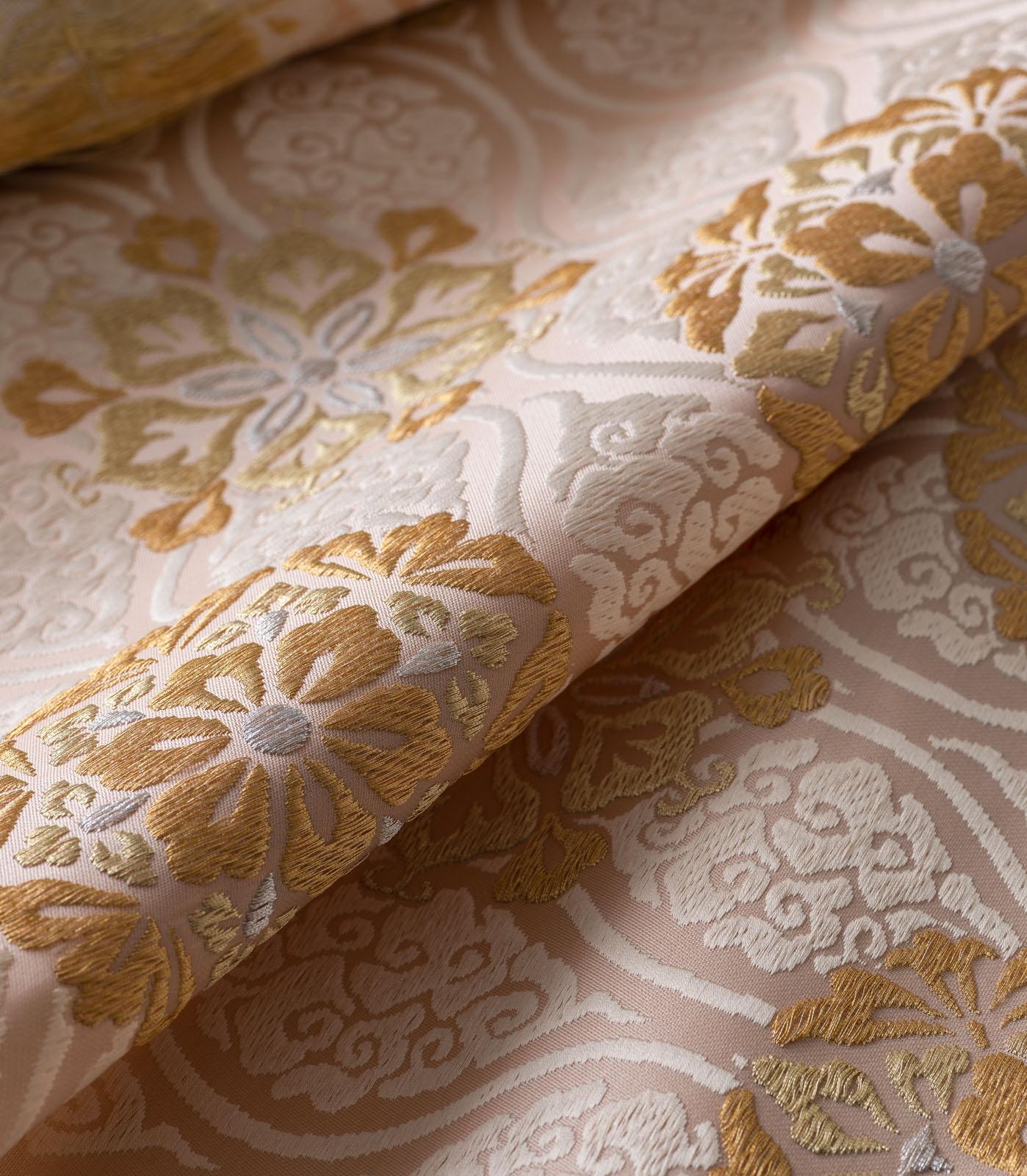 西陣伝統の柄と織